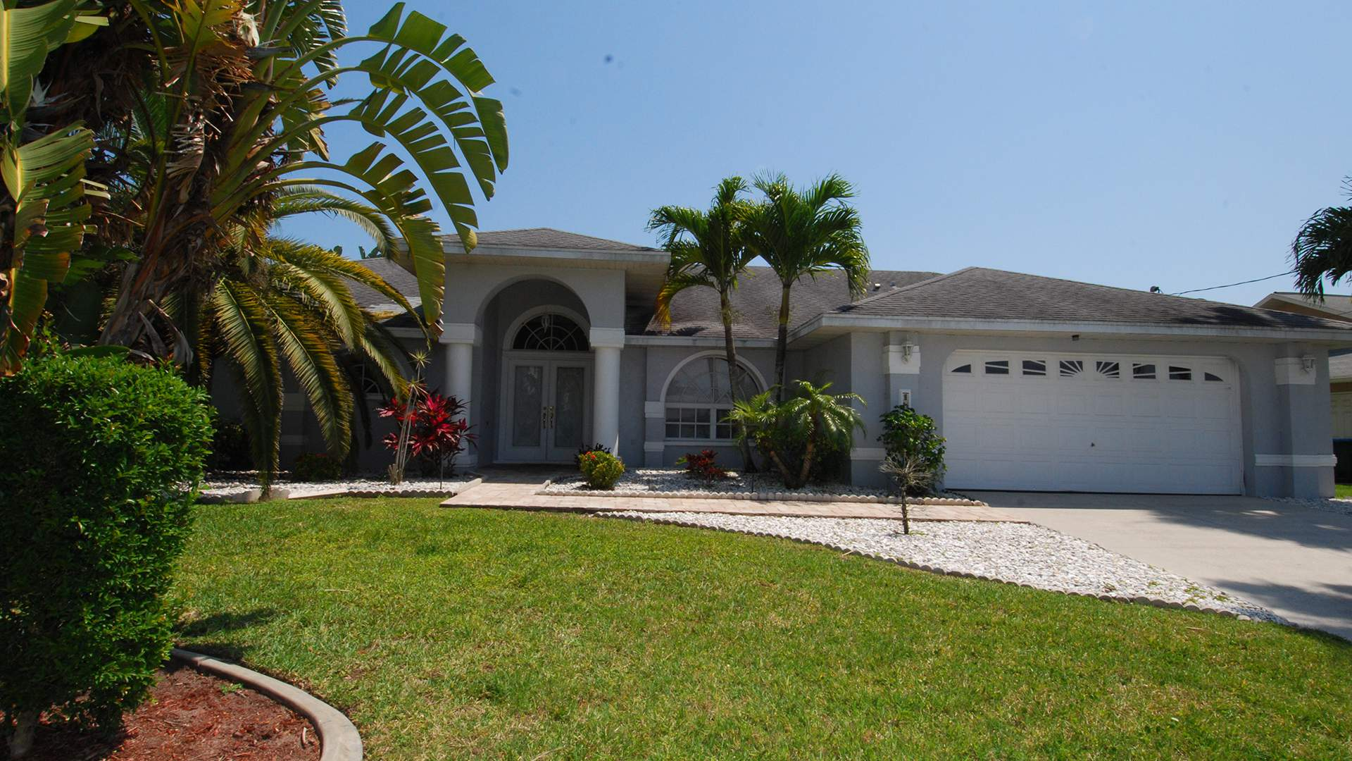 Fort Myers Beach North Places To Stay Map besides Naples Fl Connors Of Vanderbilt Beach Boating  munity as well 85824030 in addition Attraction Review G34091 D531892 Reviews Bonita Springs Public Beach Bonita Springs Florida together with Marco Island. on bonita springs florida rentals