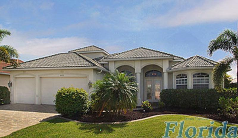 A modern Gulf access vacation home in SW Cape Coral