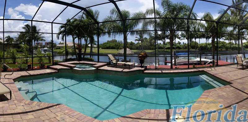 Relax in your own private, electrically heated pool and hot tub, Located minutes from the Gulf of Mexico on a quiet, wide canal