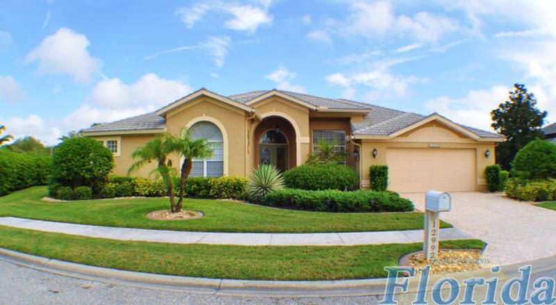 This attractive vacation home is located in the beautiful Cross Creek community in Fort Myers