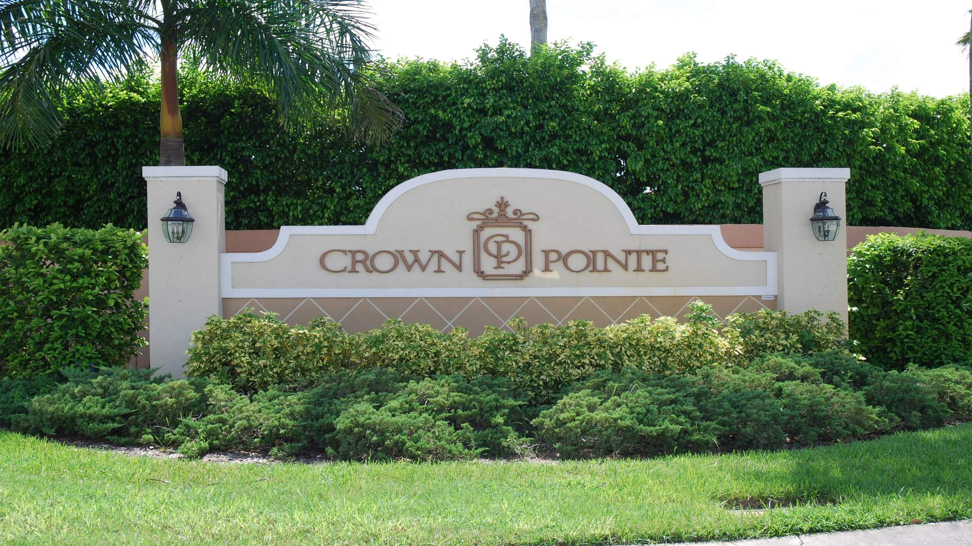 Entrance Area to the community Crown Point