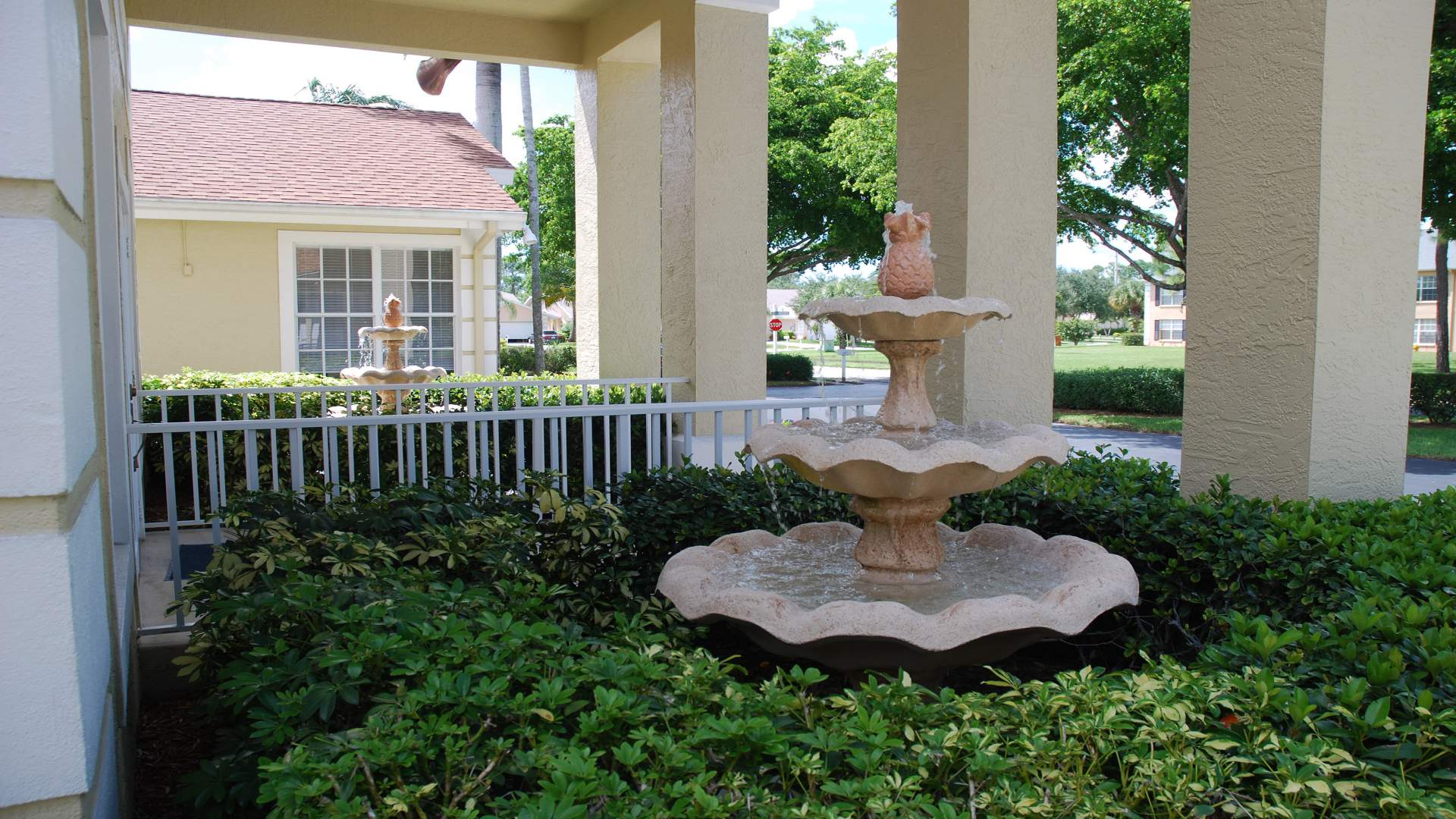 water fountain in the entrance area from the Clubhouse